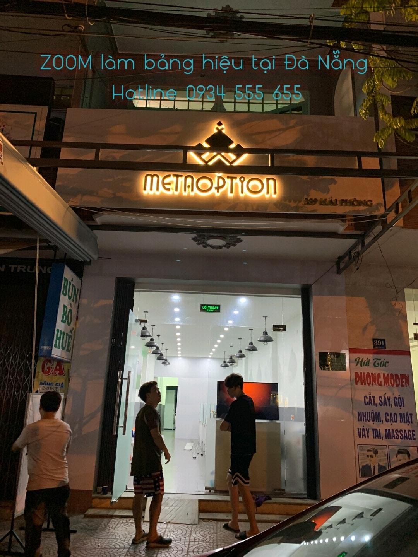 Bảng hiệu chữ nỗi tại Đà Nẵng