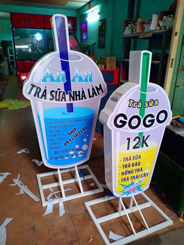 Làm bảng hiệu trà sữa đứng tại Đà Nẵng